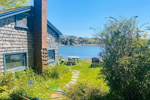 Wellfleet Harbor Waterfront-Duck Creek Cottage