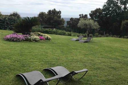 Mini villa dans propriété privée au calme