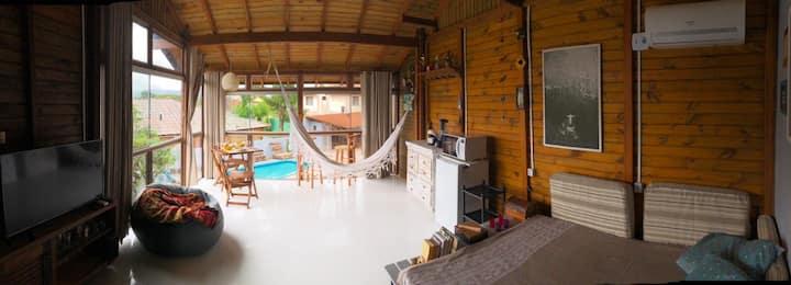 Studio aconchegante e confortável na Praia do Rosa