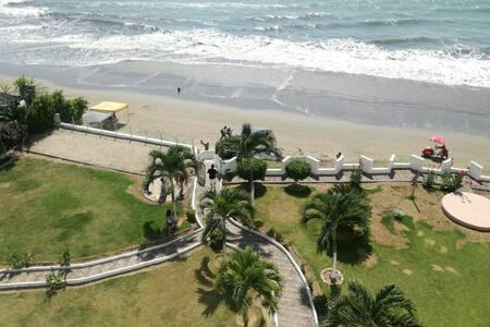 Departamento frente al mar, Tonsupa