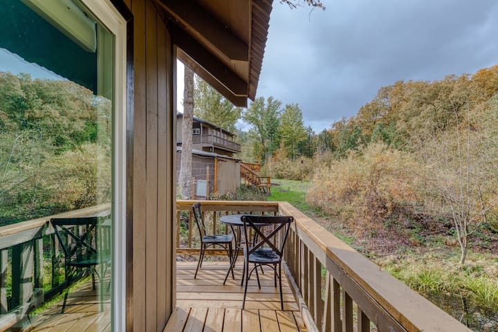 Lofted, modern cabin w/ wood stove, deck & country setting - 2 dogs OK!