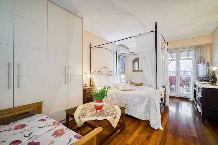 Athens Kolonaki Apartment with Great Views