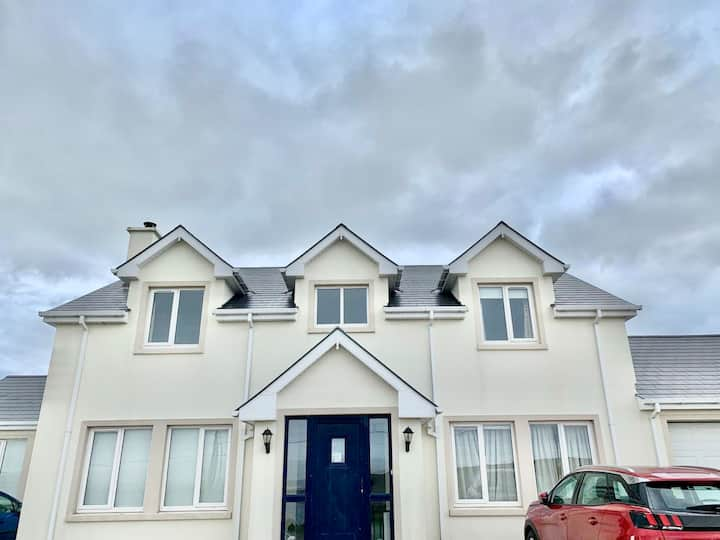 4 Bed House with Stunning Views From Every Window