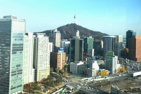 A room with super transportation in central Seoul