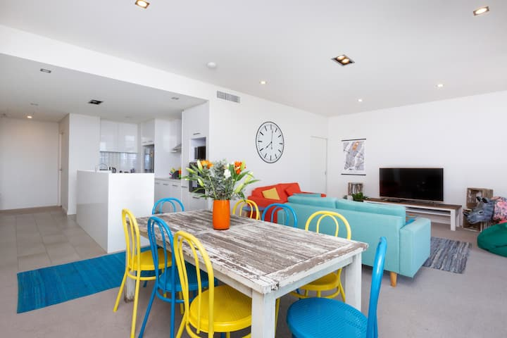 Colour & Swank at The Mill in the Heart of CBD!