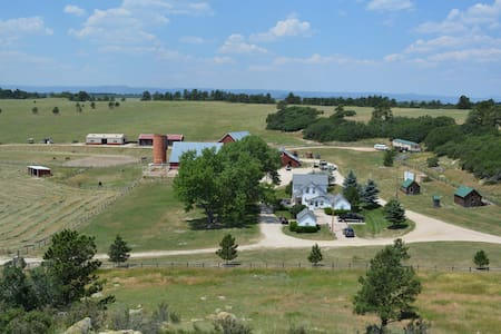 Historic Ranch Close to Colorado Springs & Denver - Larkspur - Dům