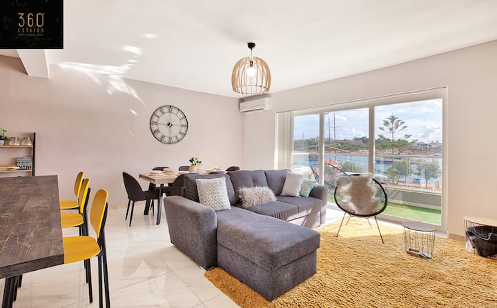Beautiful seafront APT in the best part of Sliema🏖