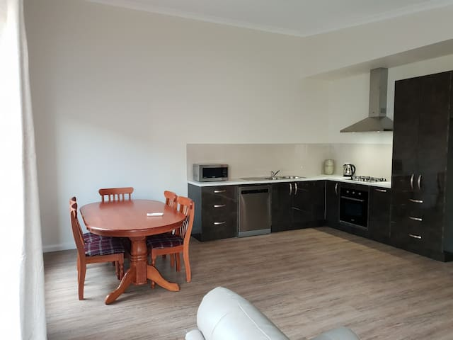 Apartment on Queen Street. A central Dubbo