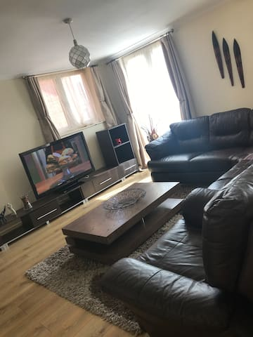 Entire 2 bed Elegant Apartment in Bham City Centre