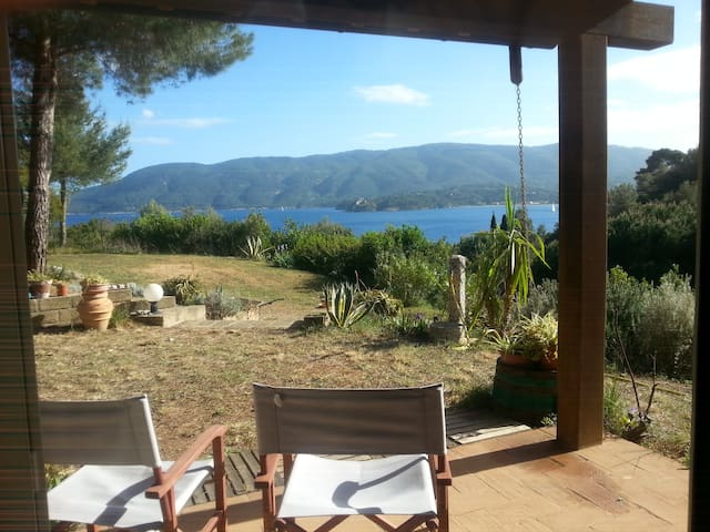Lovely country house with amazing view - Porto Azzurro - บ้าน