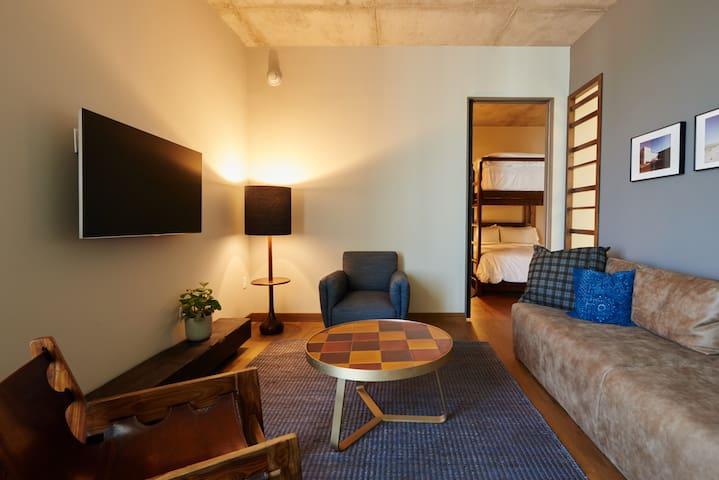 South Congress Hotel, Bunk Room