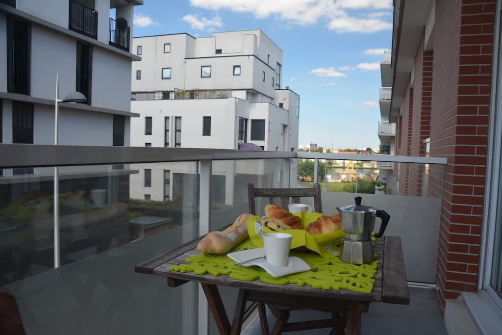 appartement charmant et cosy 63 m2 10min de paris apartments for rent in choisy le roi le. Black Bedroom Furniture Sets. Home Design Ideas