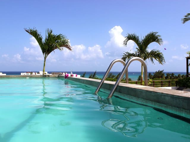 3b/3a Luxury brand new home @the Beach 2pools