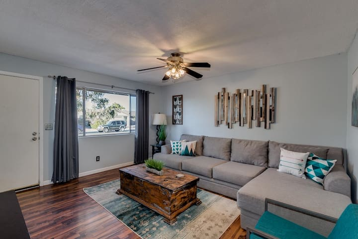 Centrally Located home w/ pool in Tempe