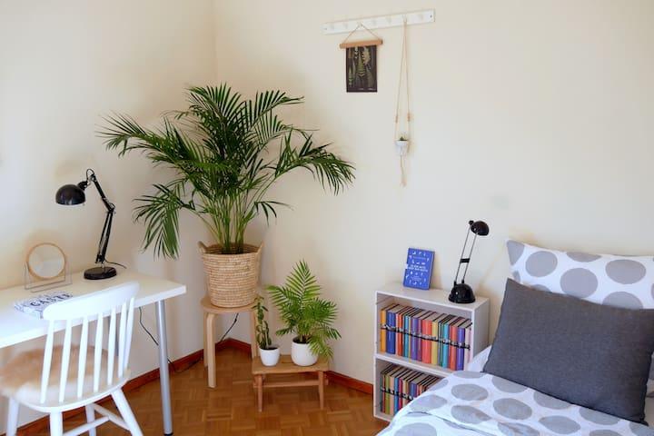 Liebevoll eingerichtetes Zimmer im Zentrum Coburgs
