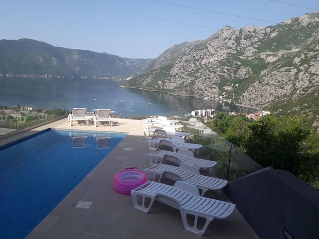 Stunning Montenegro sea view apartment with pool.