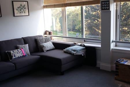 Entire Apartment/Flat In Brighton