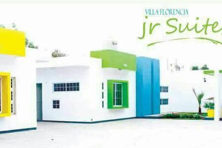 Villa Florencia Jr Suites