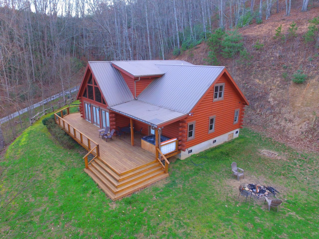 The Smoky Mountains are your backyard ~ come & enjoy the serenity that Sophie's Choice Cabin offers!