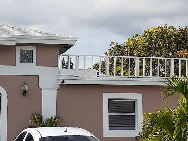 Newly Sensational Home/Studio