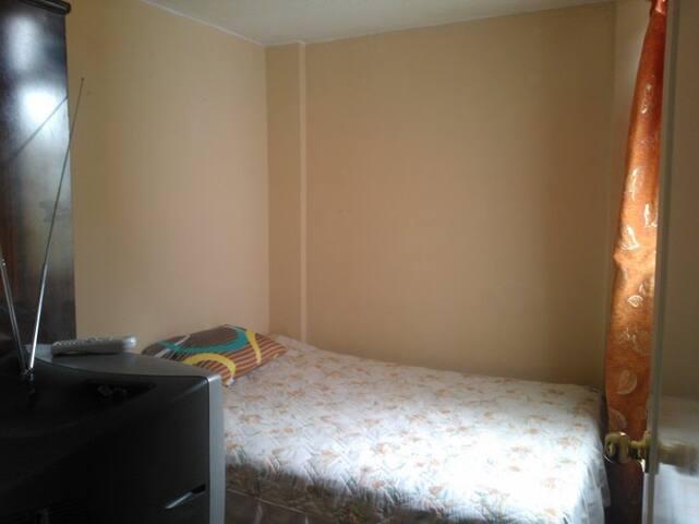 habitación (bedroom)