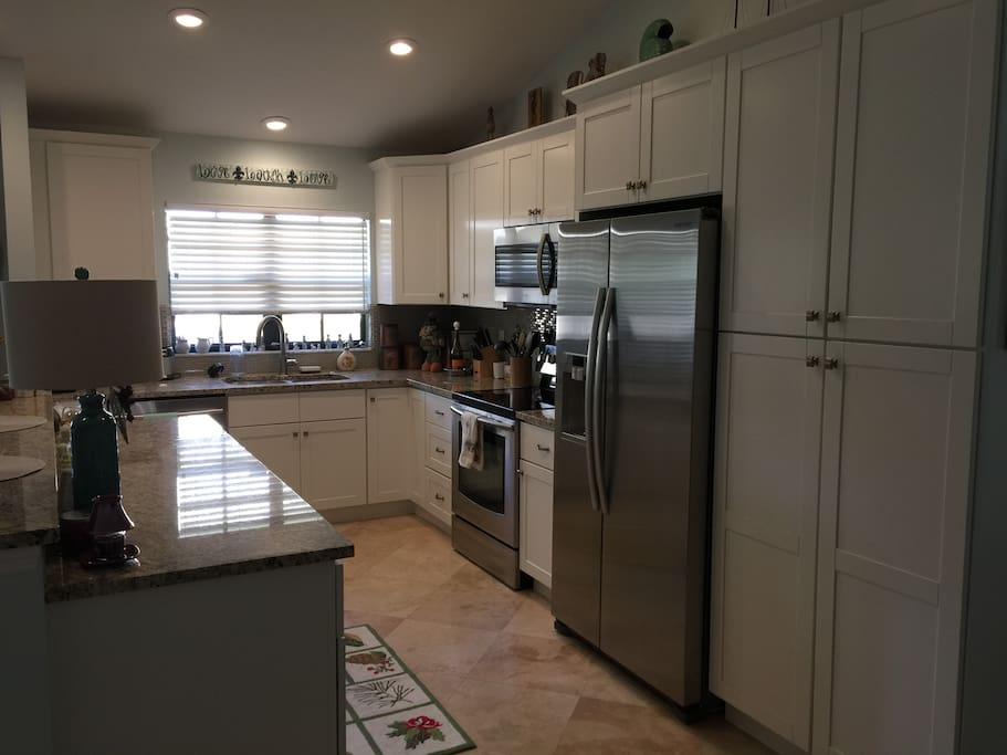Newer Stainless Steel Appliances, Granite