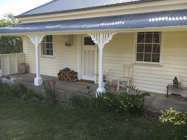 Charming 1880's historic miner's cottage