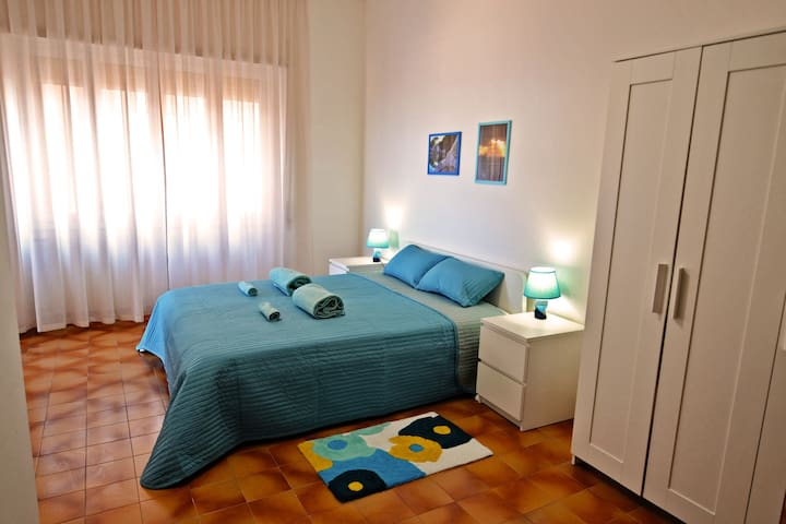 Big apartment (rooms with private bathrooms) - Rome - Leilighet