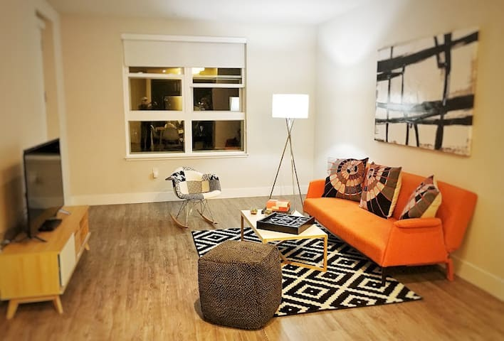 *NEW* Business Ready 1BR - heart of Silicon Valley