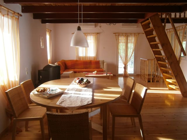 cottage house of 80 sq. m. in Vromovrisi Kalamata - Kalamata - บ้าน