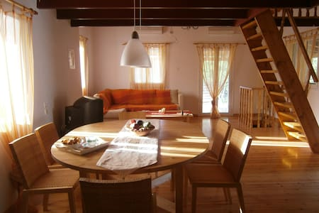 cottage house of 80 sq. m. in Vromovrisi Kalamata - Kalamata - House