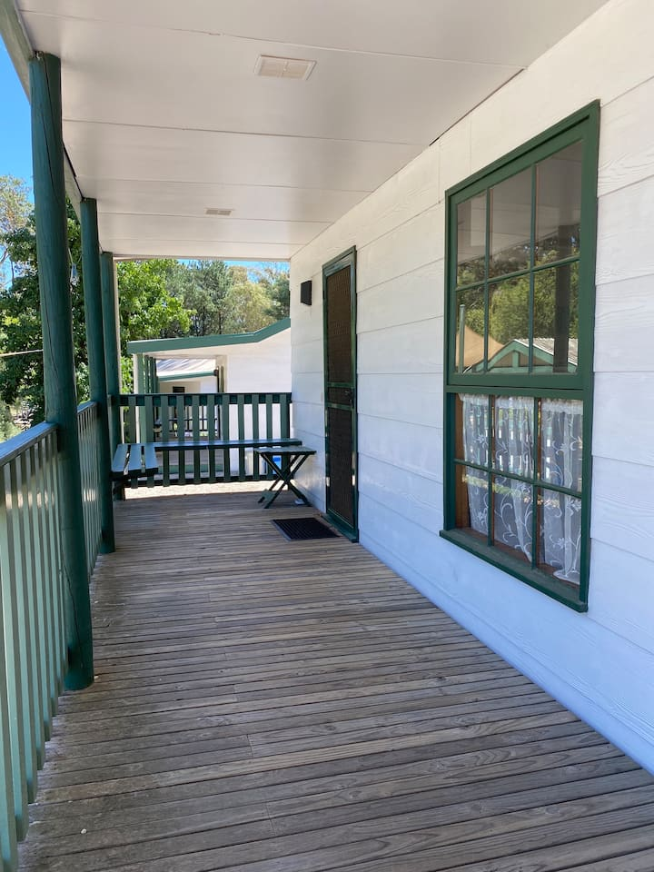 Howqua Cottage - Fernleigh Accommodation