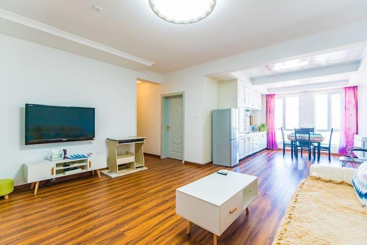 呼伦贝尔海拉尔区【市中心】电梯两室一厅【景观】房,【交通枢纽】🅿️