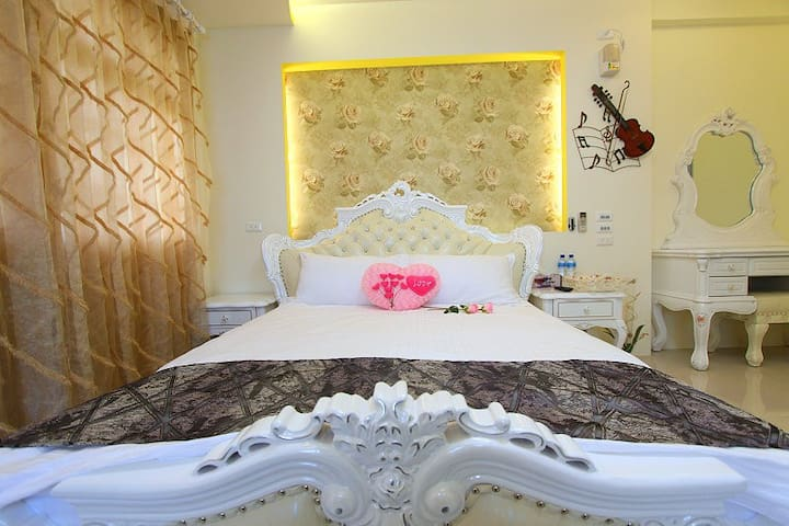 Gina's Double Room in Hualien Near train station - Hualien City
