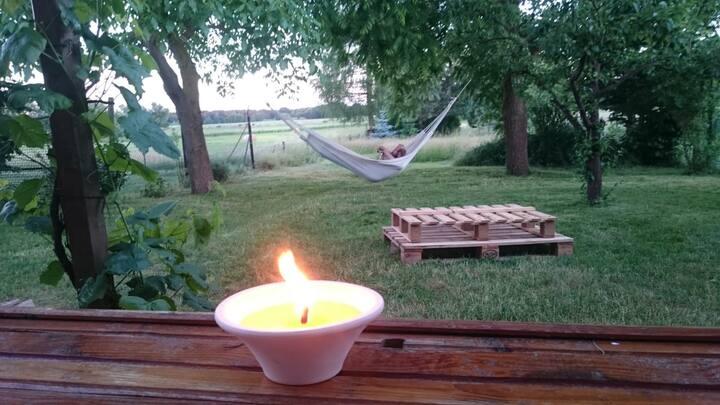 Ideal für Radler - Urige Fewo mit großem Garten