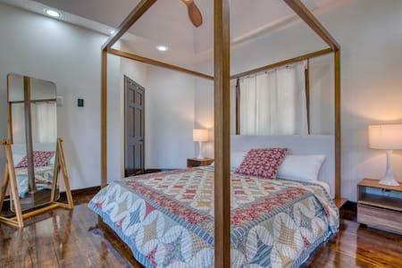 Master Bedroom  Parque Nacional Port Royal  Port Royal National Park  @rounddoorroatan The Round Door Property