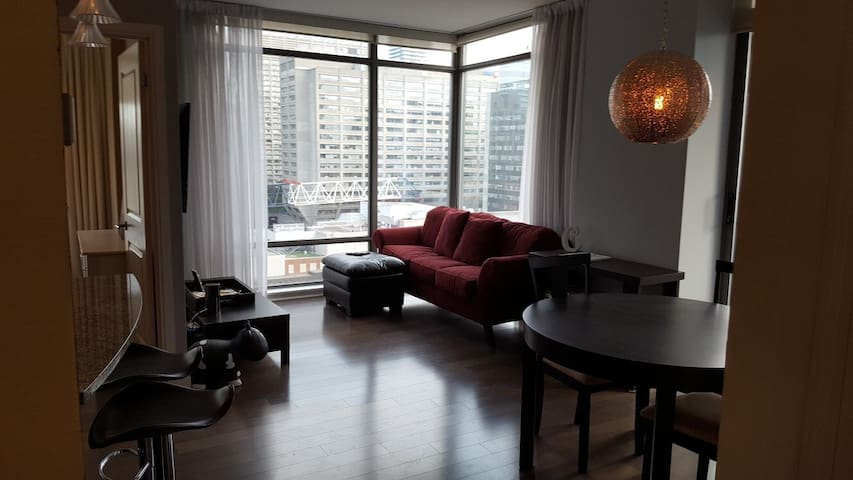 CONDO IN YORKVILLE - THE HEART OF DOWNTOWN TORONTO