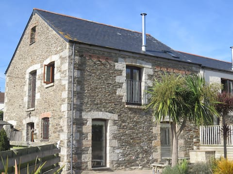 Harvesters Keep  - entire converted barn