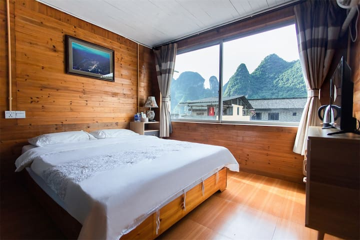 Superior double room in Xingping
