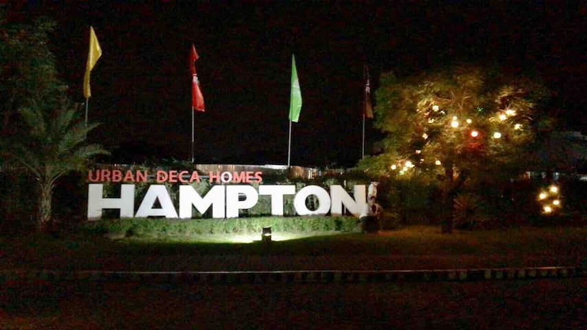 Right side of hampton.