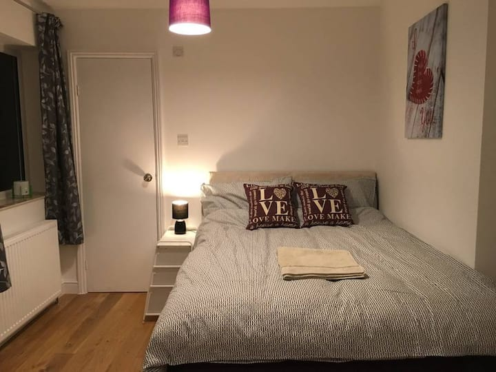 En-suite near ARM and Hospital in Cambridge RM 1