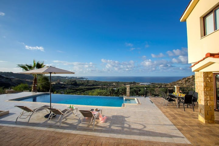 Villa Blue Jadeit, Coral Bay Sea Views