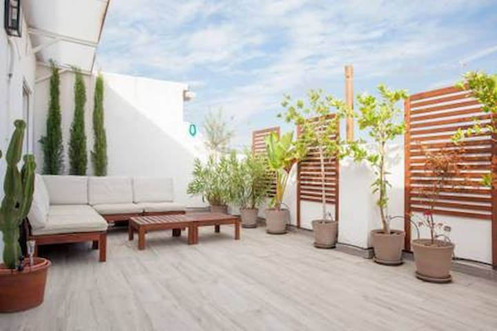 Appartement moderne avec grande terrasse