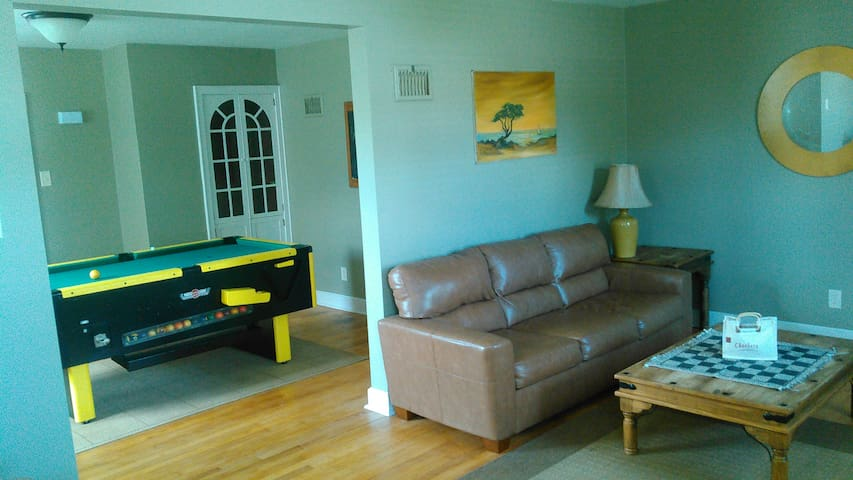 Happy Haven (3BR) Cozy, Convenient, Affordable - Iron River - House