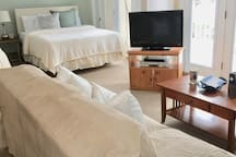 WALK TO THE SLOPES + STAY AT BASE OF SKI BEECH!