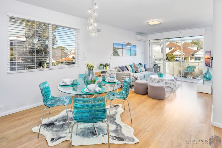 NEW 2bd 5 min walk to beach through heart of Bondi
