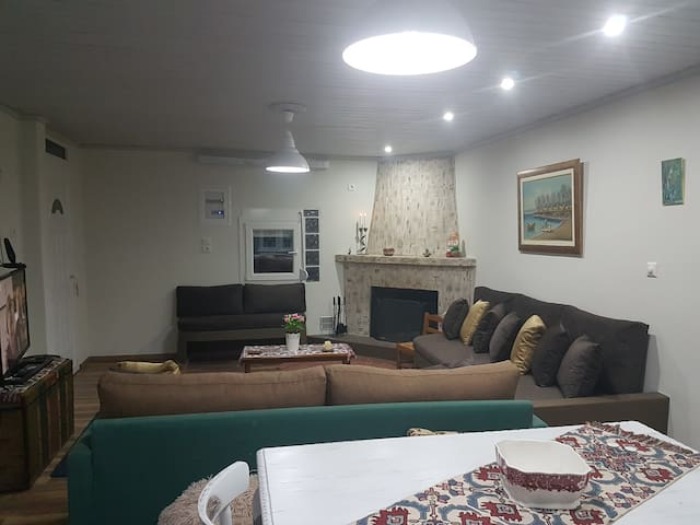 Vrachati Side Mansion