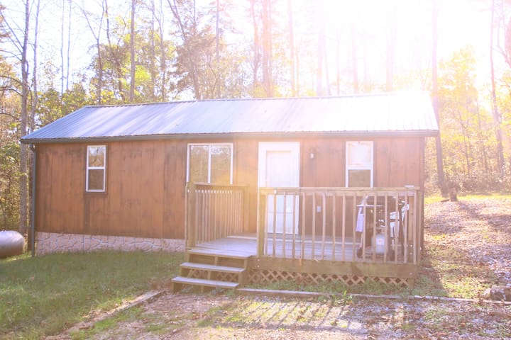 Little Cabin in The Woods - Fully Furnished