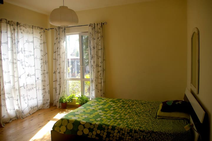 Homey Family-Friendly House, 20 Minutes from Sofia - grad Novi Iskar - House