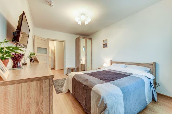 Первая комната с лоджией